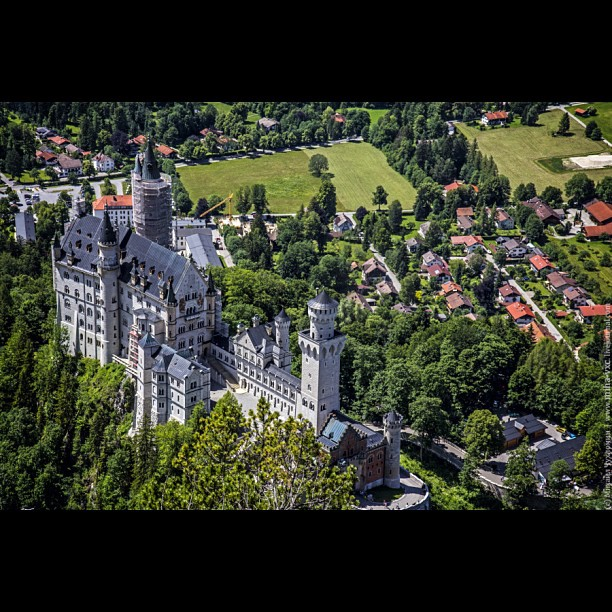 Neuschwanstein Castle.http://miha-vxc.livejournal.com/160974.html #nature #me #castle #germany #природа #look #пейзаж